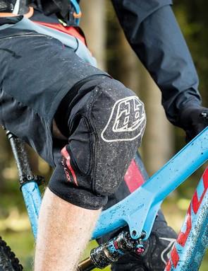 Seb Stott tests six MTB knee pads