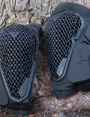 The Dainese Trail Skin 2 kneepads use geometric forms to provide cushioning