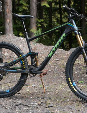 The DL is the mid-range Hei Hei Trail, but it's got a pretty high-end spec