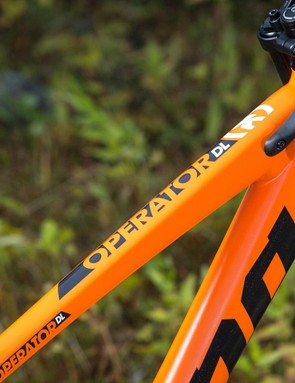 Neat bumpers prevent the fork from damaging the frame in a crash