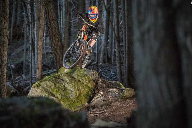 The 2017 Kona Operator DL gets mid-sized wheels and more aggro geometry