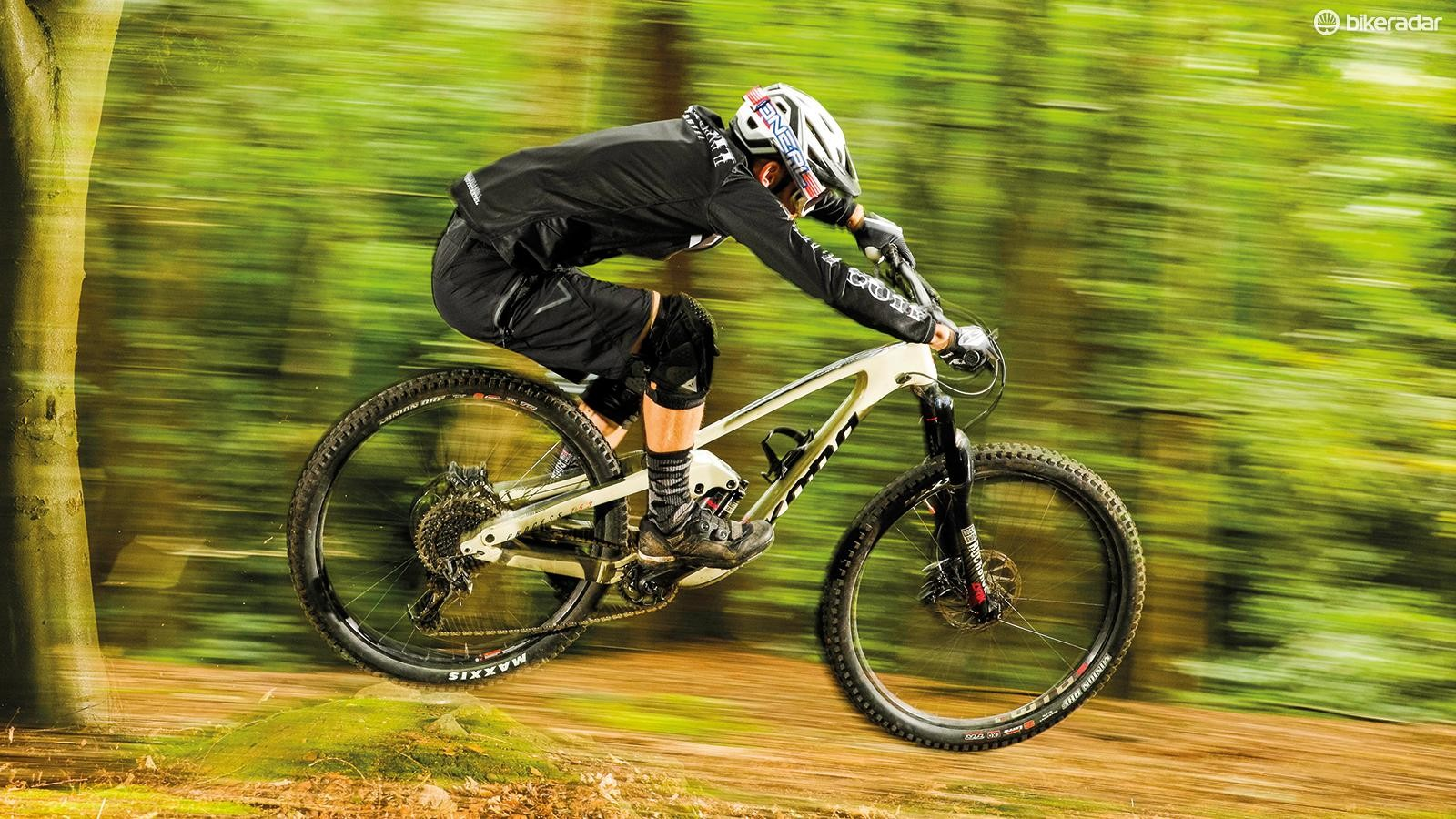 The Kona can be pushed and popped to drive speed out of berms and backslopes, and feels surprisingly alive, dynamic and trail happy for a 14.5kg 29er