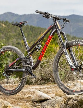 Kona's Process 153 DL certainly looks the part, and the brand's gravity pedigree is apparent in its strengths