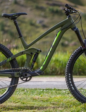 With an aluminium frame, the Process 153 AL/ DL 27.5 has the same build kit as the CR bike, but minus the carbon, it costs much less, at £3,499