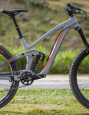 You could call this bike the 2018 version of the classic Kona Stinky. This 165mm long travel trail bike looks like it'll be equally at home shredding steep descents or whipping it up in the bike park