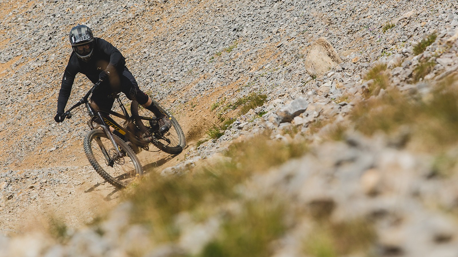 Of course the real test is out on the trail. At the Kona launch in Tignes and Val D'isere, we did our best to put the new Process through its paces. Stay tuned for a full review, coming soon