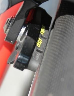 SwissStop pads do the job on the Zipp 303 wheels