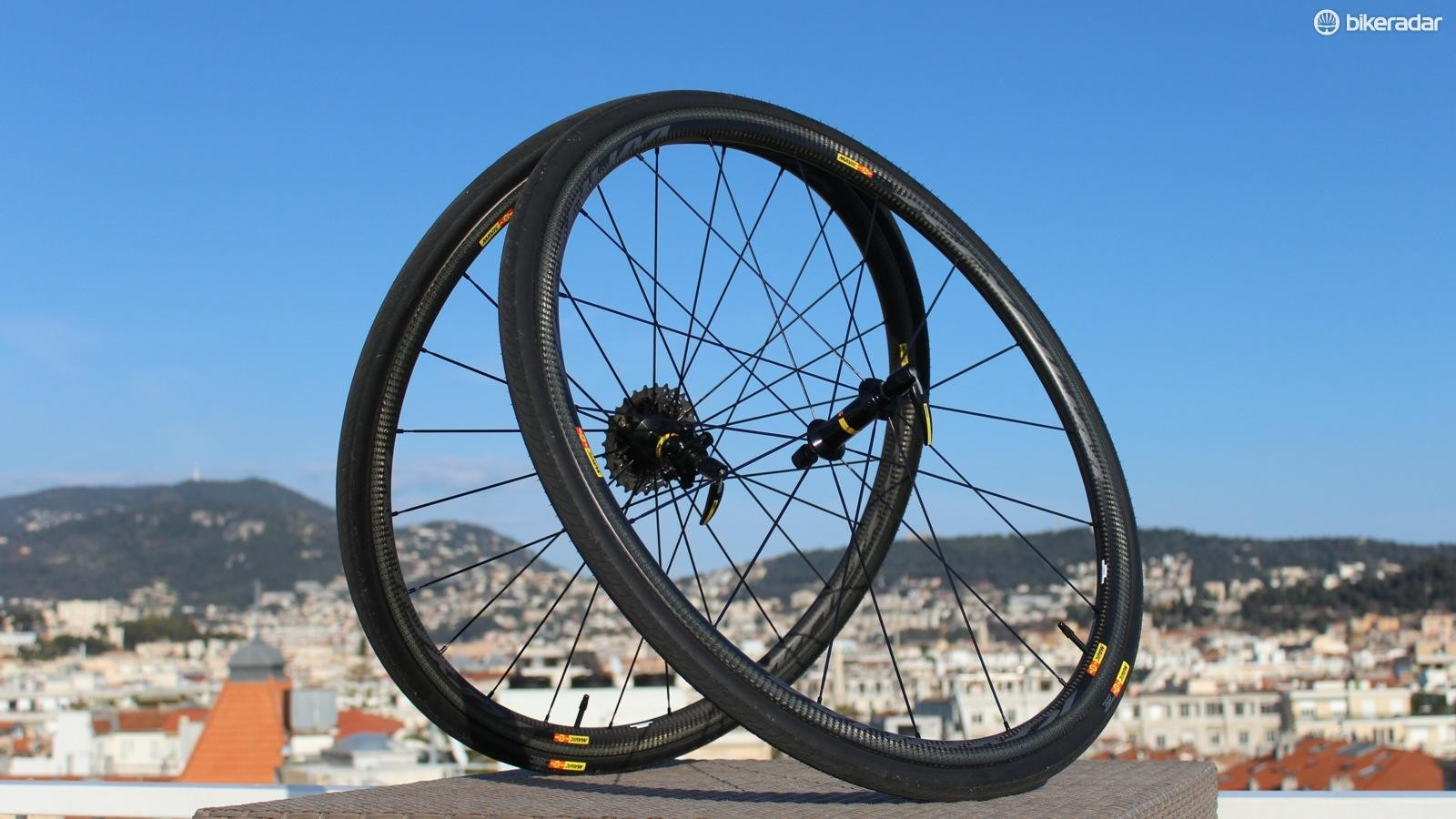 Mavic's new Ksyrium Pro Carbon SL C clinchers check all the performance boxes