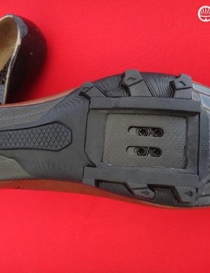 The MX237 Gravel edition uses the company's carbon sole with real rubber lugs and mid-foot traction pad