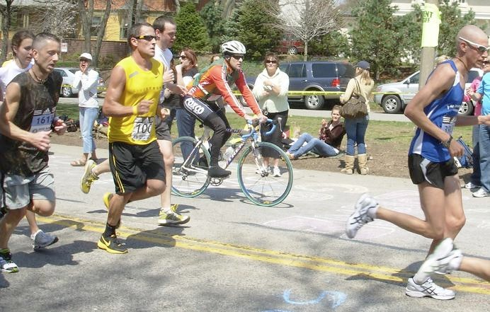 Lance Armstrong running on Heartbreak Hill during the 2008 Boston Marathon.