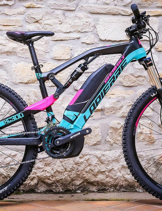 The Overvolt XC300W is the dedicated womens specific model and features more compact geometry, a narrow bar and a women's saddle