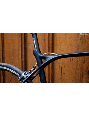 It's easy to see how Lapierre has wrung endurance-bike levels of comfort out of the eye-catching back end