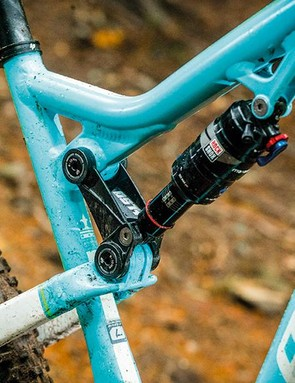 The new top tube mount for the shock negates the need for a yoke