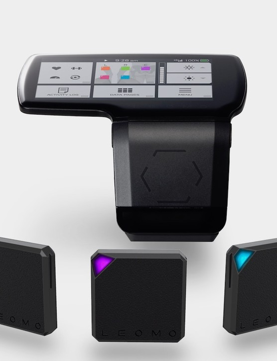 The Leomo Type-R motion capture system consists of five three-axis sensors and a proprietary head unit