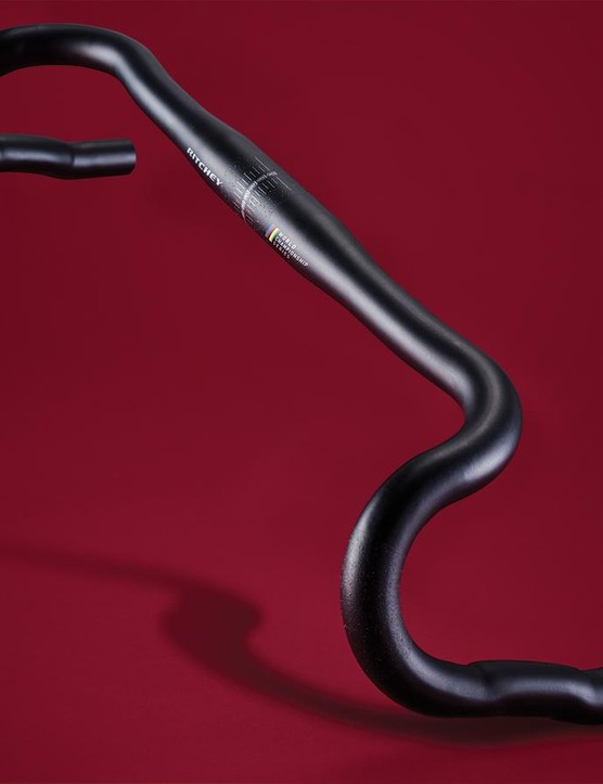 Ritchey's VentureMax handlebars have a super-shallow drop and a huge 24-degree flare