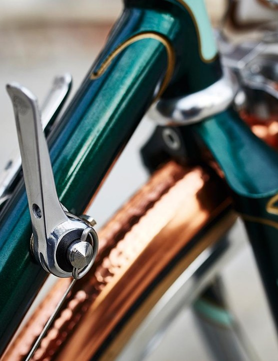 The non-indexed down-tube shifters