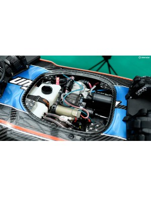 Neatly tucked away in the centre is up to 25hp of two-stroke power