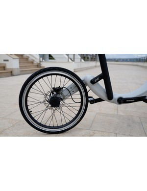 …while the rear end contains a chainless transmission