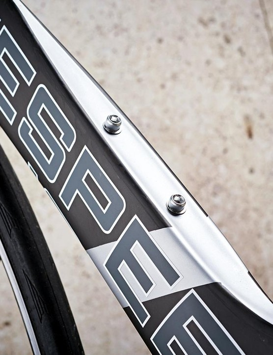 Yet another take on the aero road bike down-tube