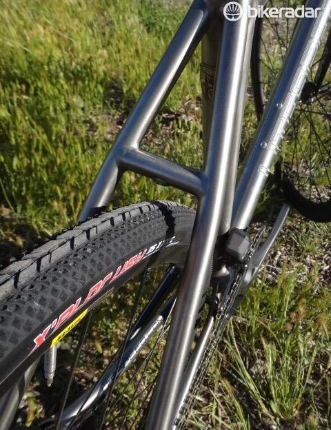 Litespeed's T5 Gravel has room for 44mm tires