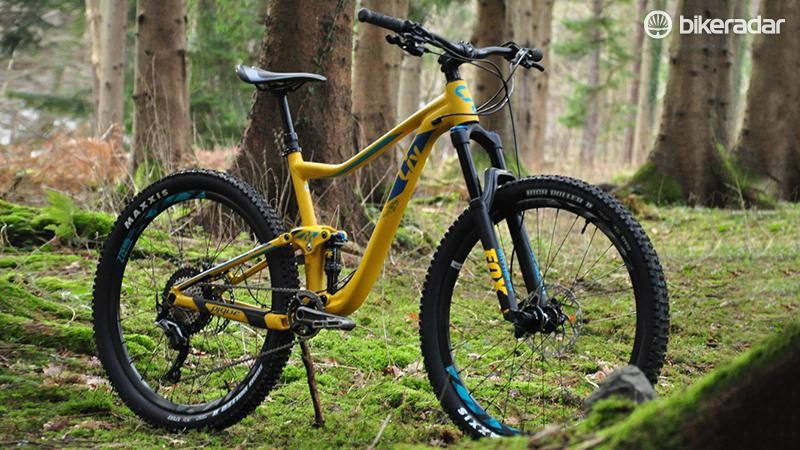 The alloy framed Pique SX 2 in its mustard-yellow glory