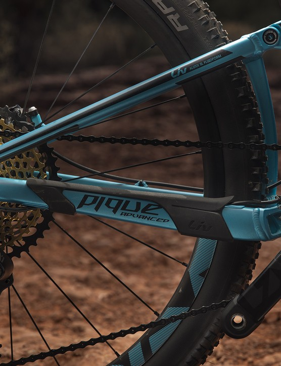 The top-of-the-range Pique features the new SRAM Eagle groupset