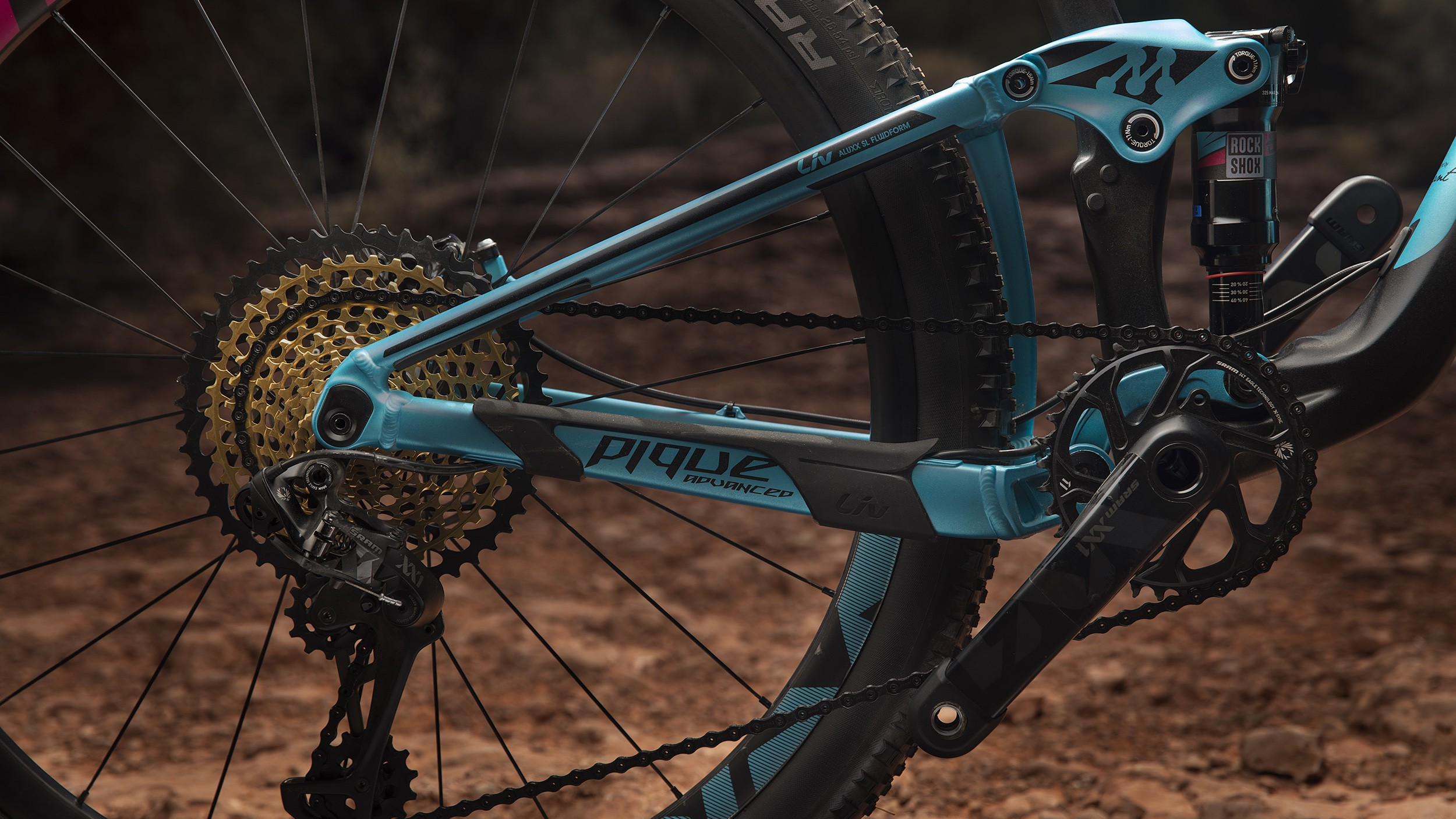 The Pique Advanced 0 has the new SRAM XX1 Eagle 12-speed groupset