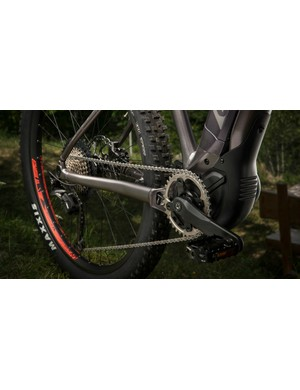 A 1 x 11 chainset works with the SyncDrive system and provides ample gearing