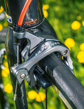 Shimano Ultegra brakes keep the Look's speed in check