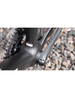 The chassis is gratifyingly stiff under pedaling load, in and out of the saddle