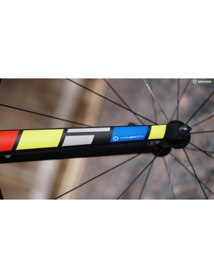 The 785 Huez fork is a claimed 350g