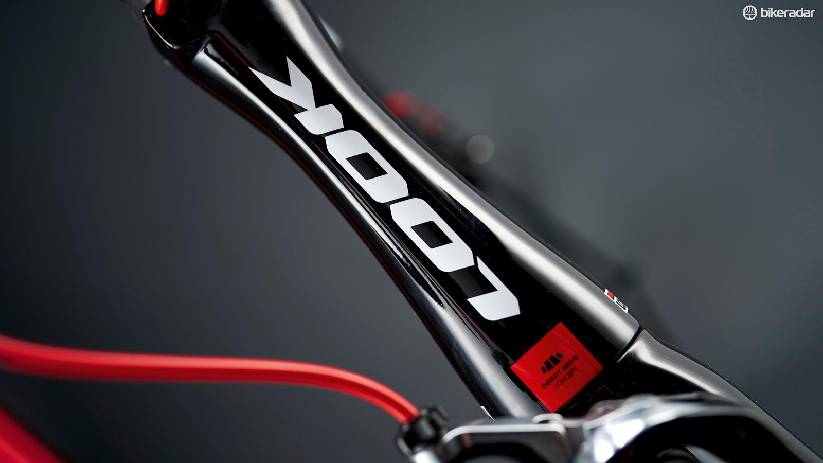 In pursuit of sleeker aerodynamics, the head tube is very slender to reduce the frontal area