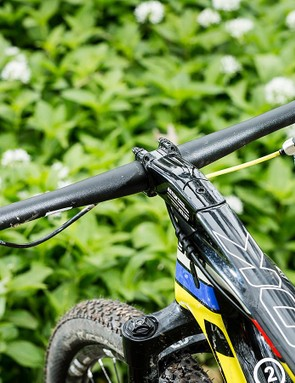 The FSA bars are usefull wide at 740mm, but we'd expect a higher-end choice