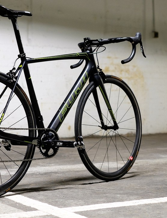 The Fuji SL 1.5, looking stealthy in its weight weenie guise