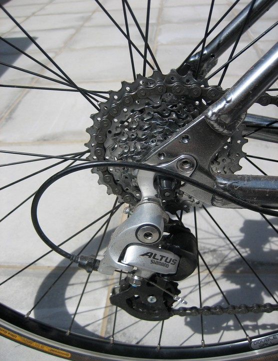 Alivio mountain bike rear mech and 11-32 cluster makes for a wide gear range