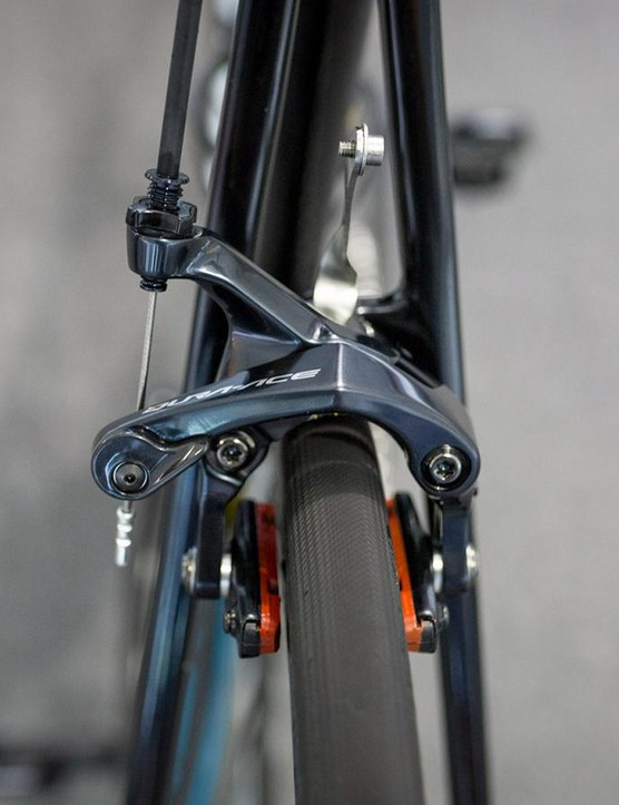 Shimano Dura-Ace R9100 series brakes front and rear for Sanchez