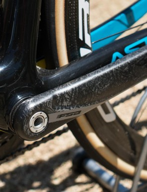FSA carbon cranks complement the black paint design