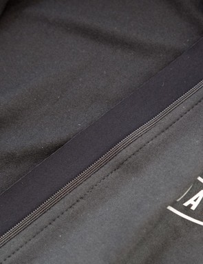 The jersey features a full-length zipper placket and the interior of the jersey is lightly brushed for added warmth