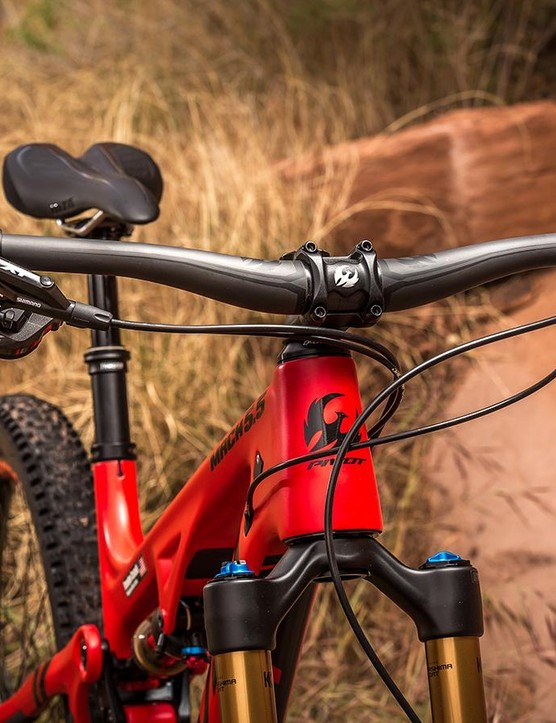 Pivot's 760mm-wide carbon handlebar is the most comfortable oversized bar I've ridden