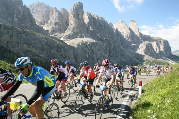Epic Italian granfonda Maratona dles Dolomites involves 138km of riding, and over 4,000m of climbing, in some of the most beautiful scenery on Earth