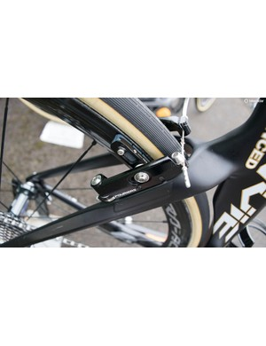 Brakes sit behind the fork and seatstays for aero benefits