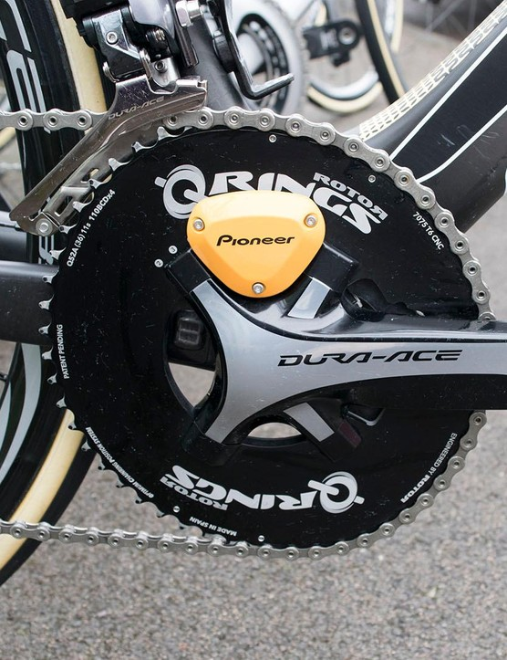 Vos favours the Rotor Q-Ring oval chainrings, in 52-36