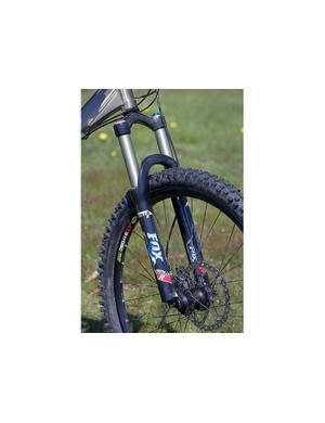 Fox Vanilla R fork provides 130mm (5in) of smooth, controllable travel