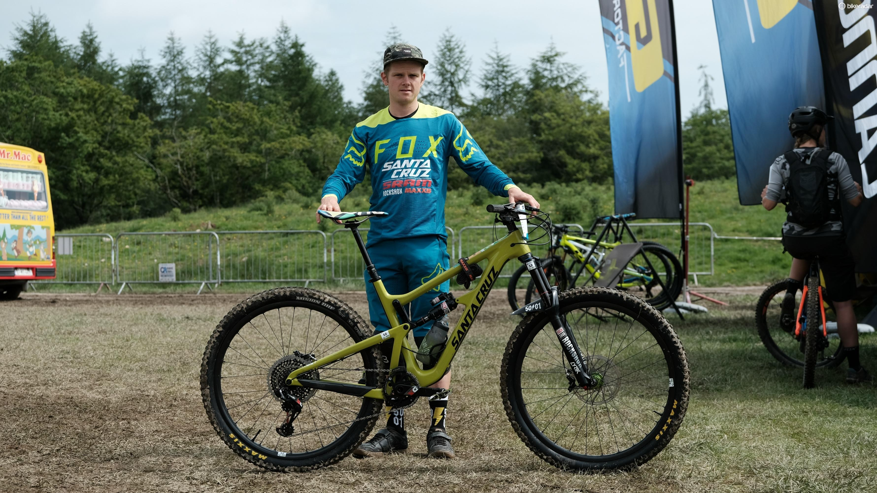Santa Cruz rider Mark Scott... and is there something different about that Hightower?