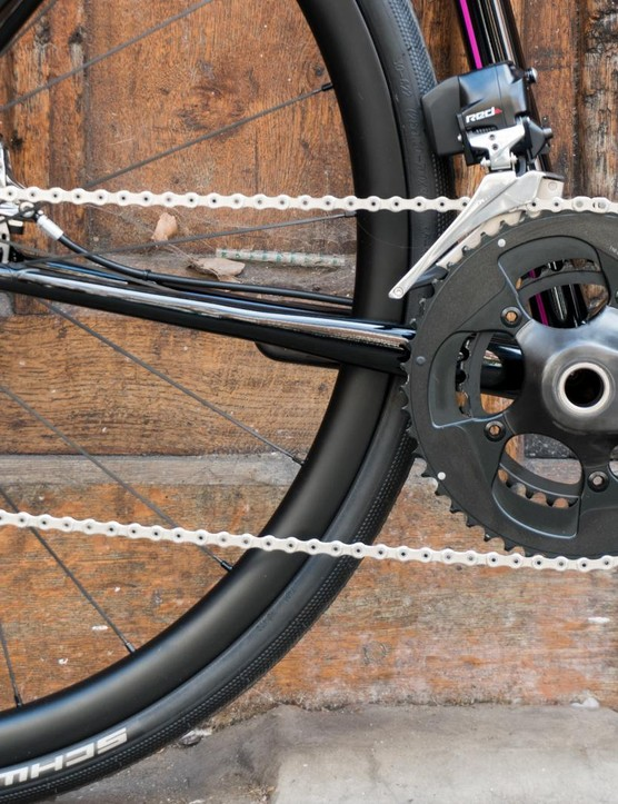 A look at the SRAM Red eTap drivetrain on the new Mason Resolution