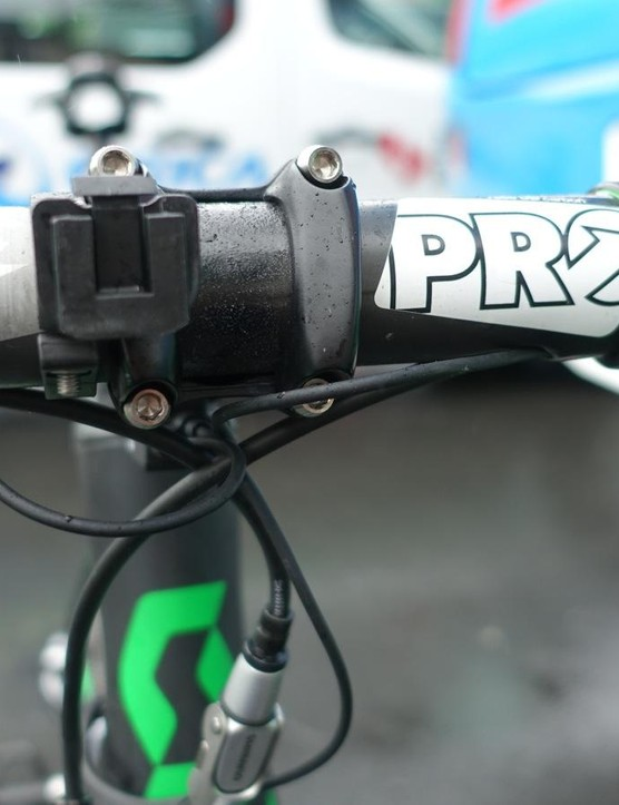 Shimano's PRO Vibe carbon handlebars, with an empty SRM PC8 mount