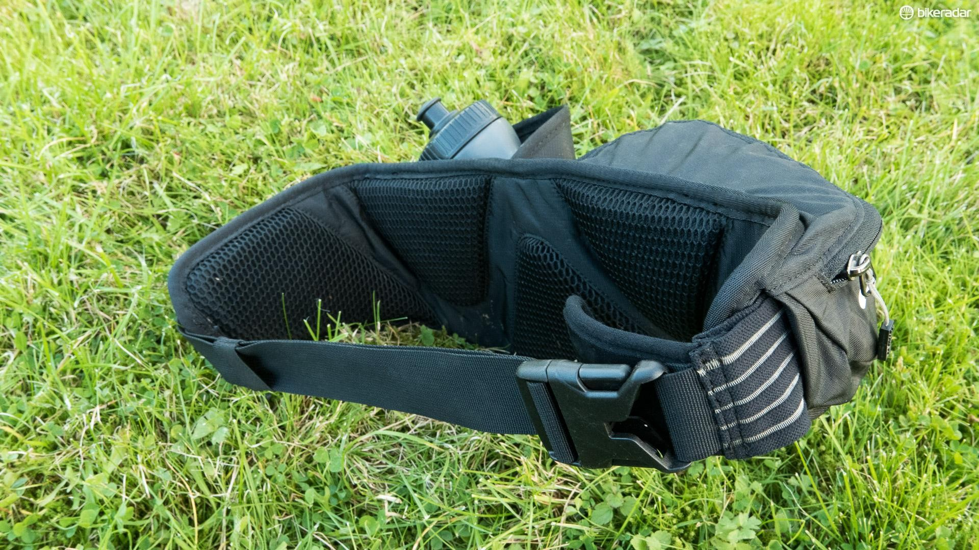 fb144eaf16f The contoured back pad helps the pack sit nicely without bouncing about