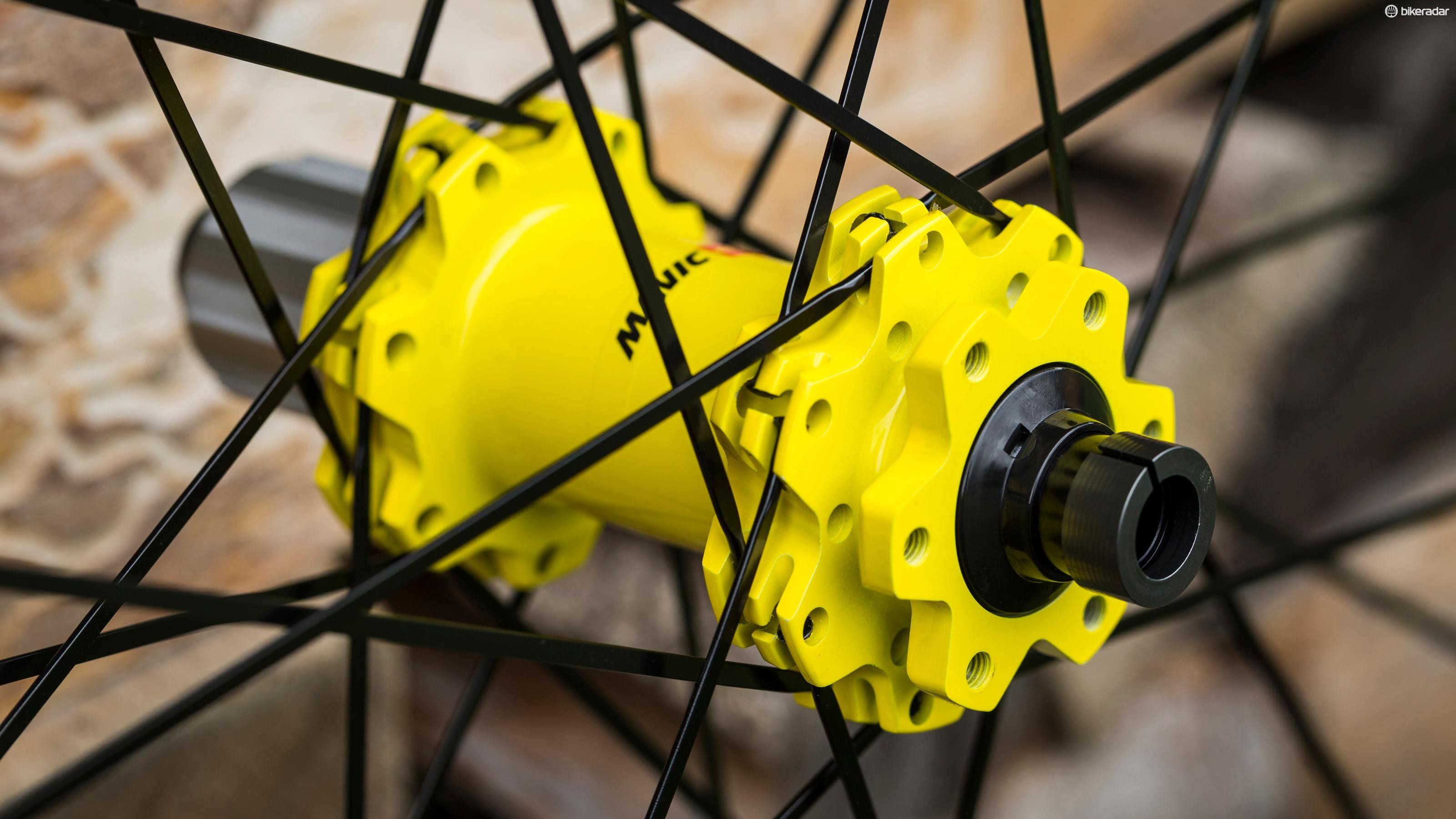 Spoke Retention System (SRS) secures the bladed straight pull spokes to the hub