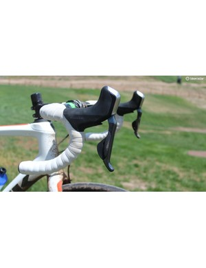 Shimano Di2 hydro levers are comfortable mile after mile