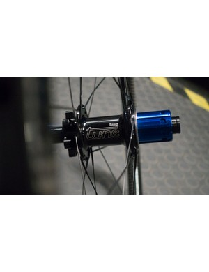 Only the absolute finest Tune hubs would do for these luxury hoops